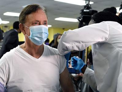 lamont-gets-vaccine-black-leaders-urge-people-to-get-shots