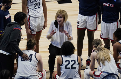 uconn-womens-basketball-doesnt-miss-beat-with-dailey-filling-in-for-auriemma