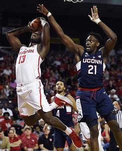 uconn-mens-basketball-forward-diarra-has-knee-surgery-out-46-months