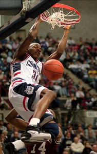 former-uconn-mens-basketball-stars-allen-hamilton-listed-as-nominees-for-basketball-hall-of-fame