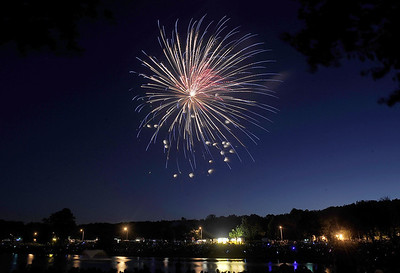 newingtons-life-be-in-it-extravaganza-fireworks-display-has-been-postponed-again
