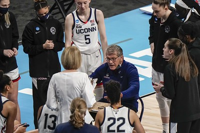 powerhouses-uconn-womens-basketball-baylor-meet-with-trip-to-final-four-on-line