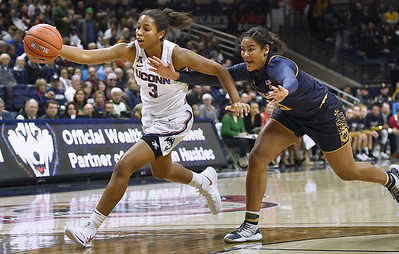 uconn-womens-basketballs-walker-downplays-idea-of-leaving-early