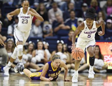 uconn-womens-basketballs-dangerfield-starting-to-get-respect