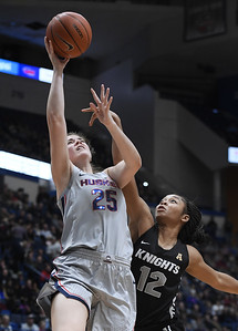 collier-walker-lead-uconn-womens-basketballs-rout-of-aac-coleader-ucf