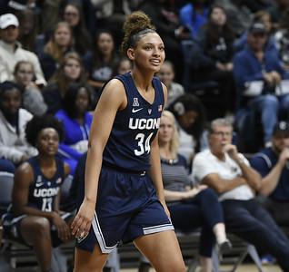 uconn-womens-basketball-sophomore-forward-gordon-plans-to-transfer
