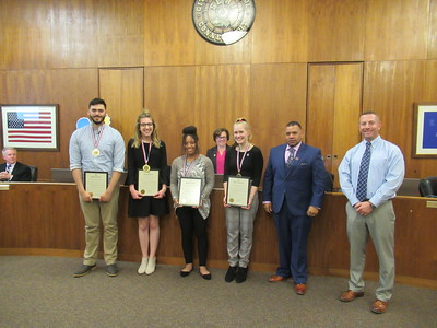 bristol-city-council-honors-four-teens-for-their-volunteer-work