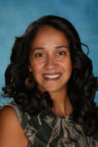 elsa-batista-is-newington-teacher-of-the-year