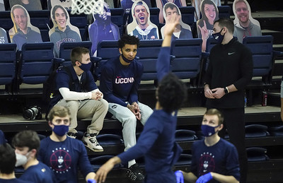 bouknights-return-to-uconn-mens-basketball-lineup-is-imminent