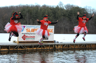 more-than-175-jumpers-take-part-in-ymcas-13th-annual-sloper-plunge