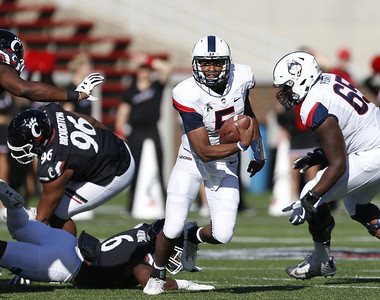 uconn-quarterback-pindell-has-new-level-of-confidence-after-working-with-new-offensive-coordinator