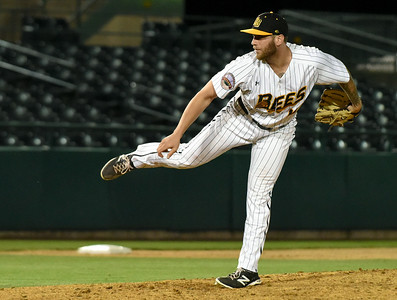 new-britain-bees-bullpen-blows-late-lead-in-loss-to-bridgeport