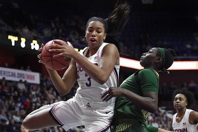 junior-walker-is-leaving-uconn-womens-basketball-for-draft-first-to-do-so-before-earning-degree