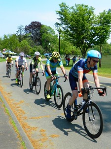 150-participants-cycle-to-the-finish-in-masters-games-race