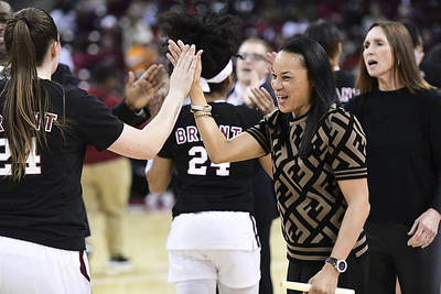 coach-staley-no-1-south-carolina-focused-on-beating-uconn-womens-basketball-for-the-first-time-tonight