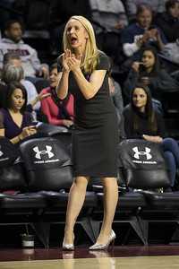 uconn-womens-basketball-assistant-ralph-leaves-team-after-relatives-positive-covid-test