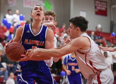 plainville-boys-basketball-finishes-season-winless-after-being-routed-by-berlin