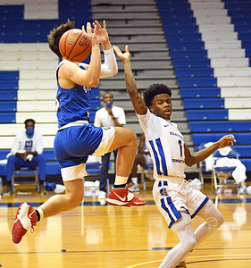 with-offense-improving-from-last-season-ccsu-mens-basketball-still-looking-for-more-defensive-consistency