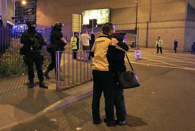 police-say-19-killed-in-blast-at-ariana-grande-concert
